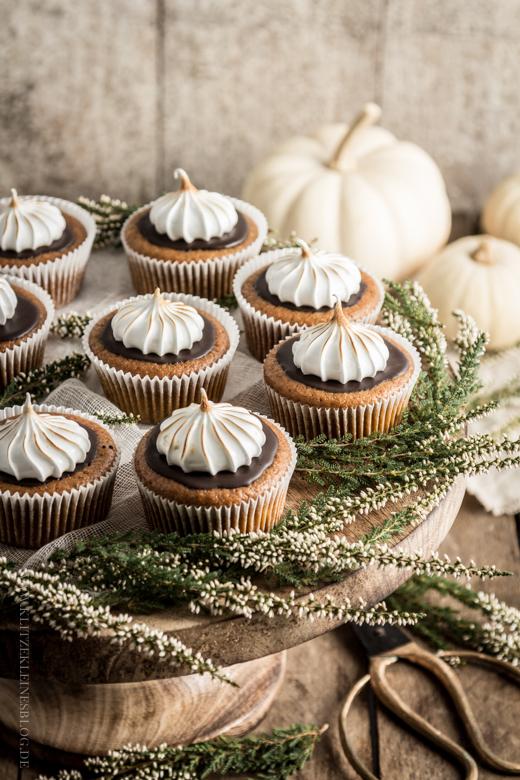 pumpkin cupcakes-009