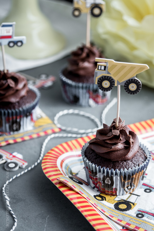 death-by-chocolate-birthday-cupcakes-007