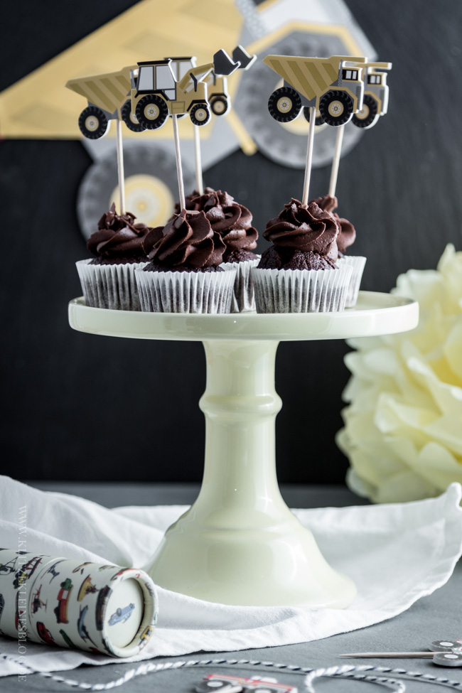death-by-chocolate-birthday-cupcakes-017