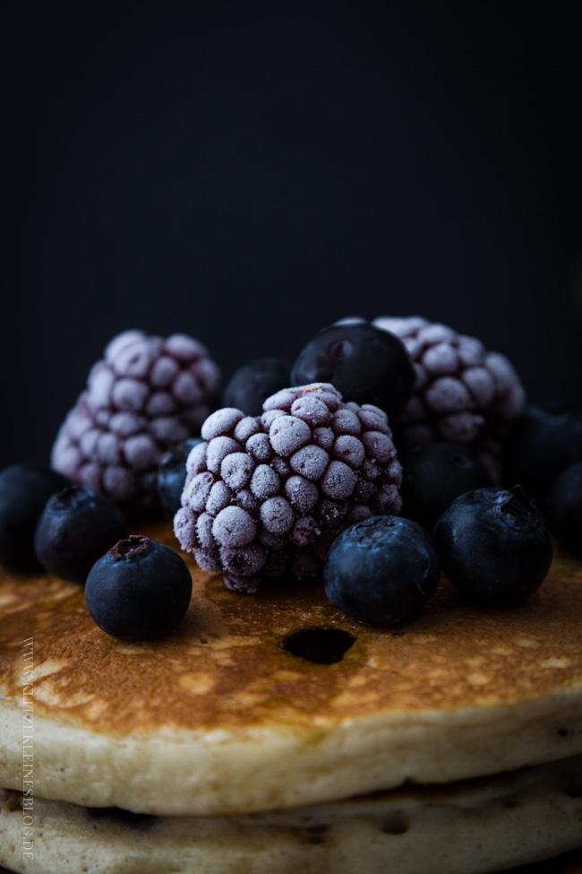 blaubeer-joghurt-pancakes-044