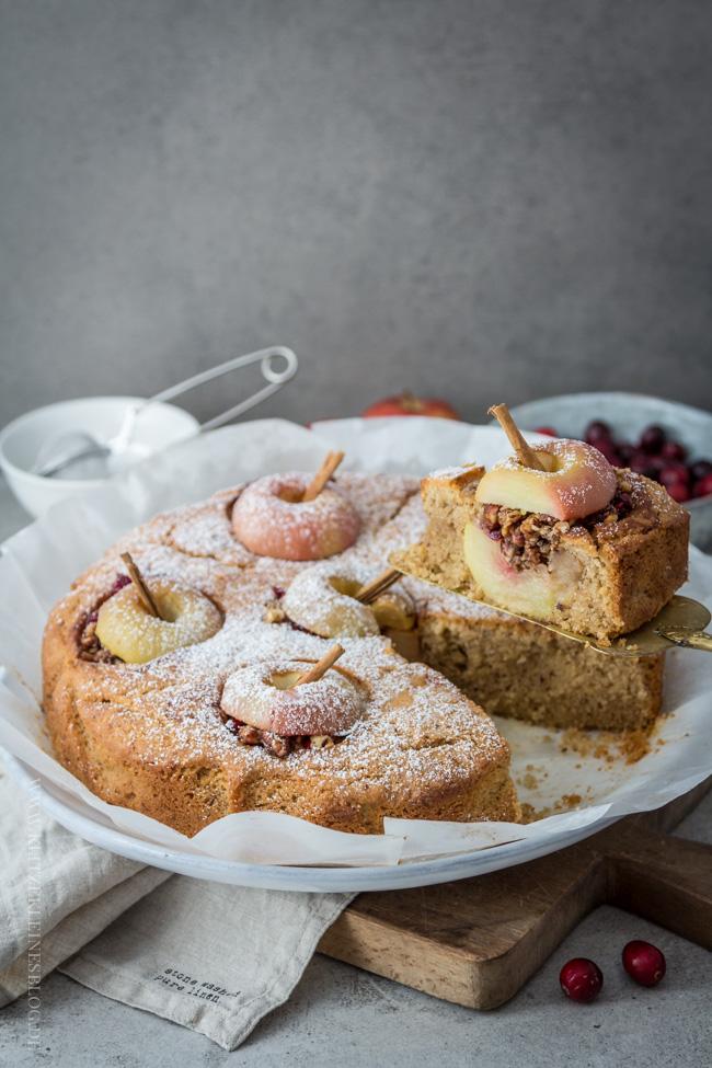 bratapfelkuchen-mit-cranberries-und-haselnuessen-054