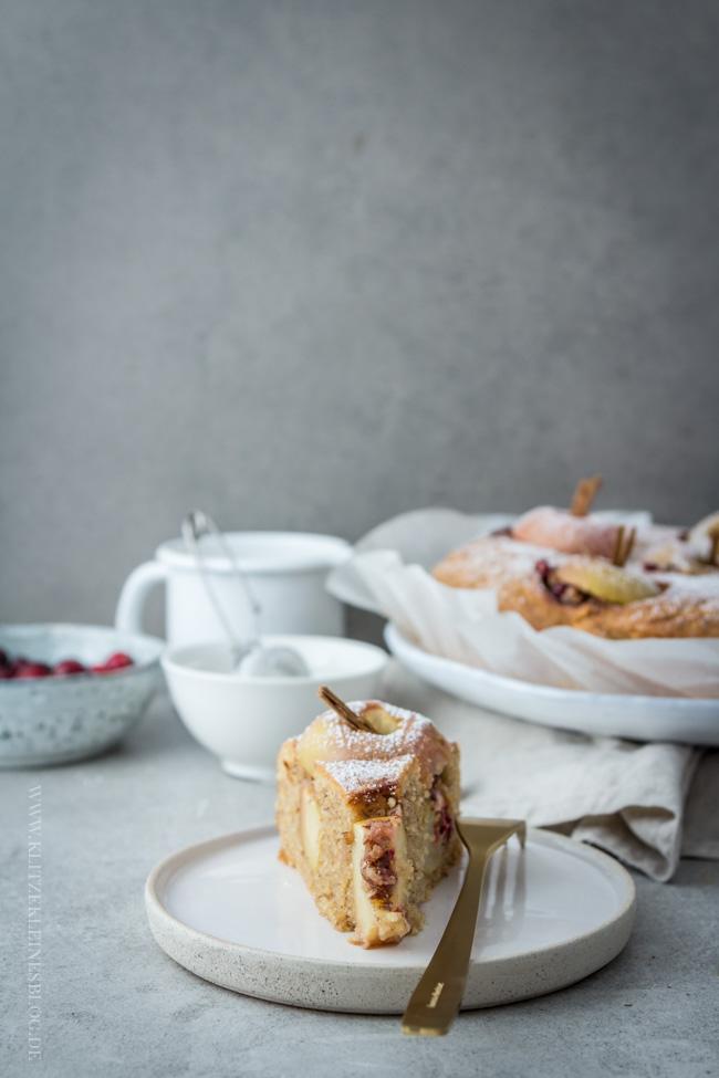 bratapfelkuchen-mit-cranberries-und-haselnuessen-055