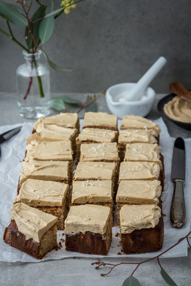 brown-butter-blondies-mit-spekulatius-creme-059