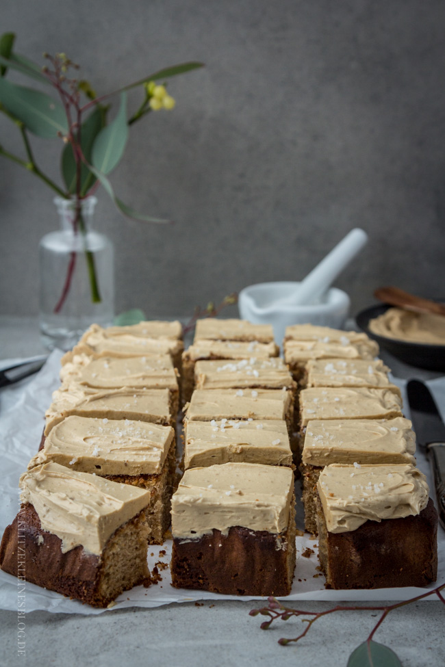 brown-butter-blondies-mit-spekulatius-creme-063