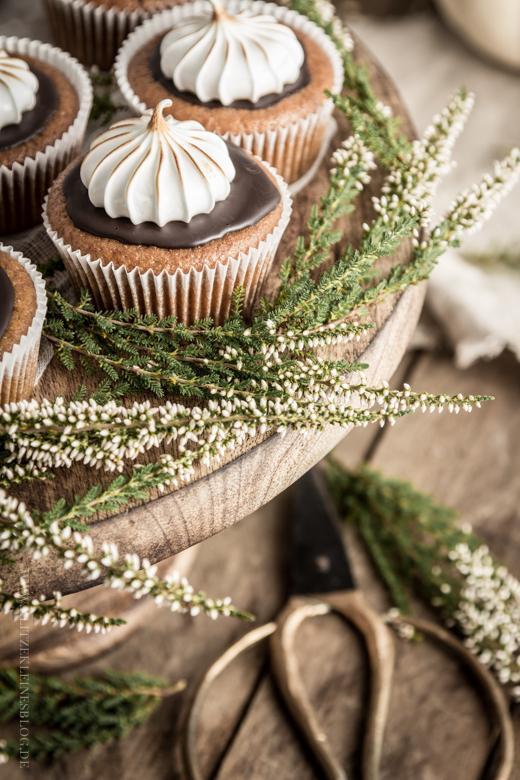 pumpkin cupcakes-020