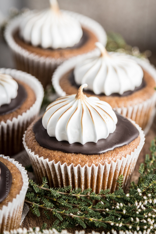 pumpkin cupcakes-022