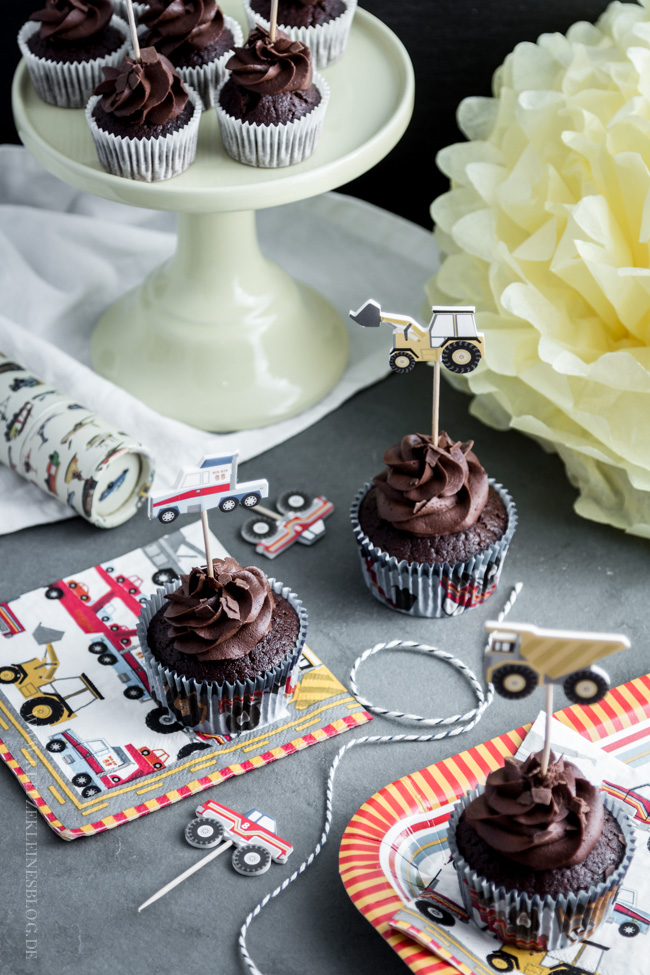 death-by-chocolate-birthday-cupcakes-006