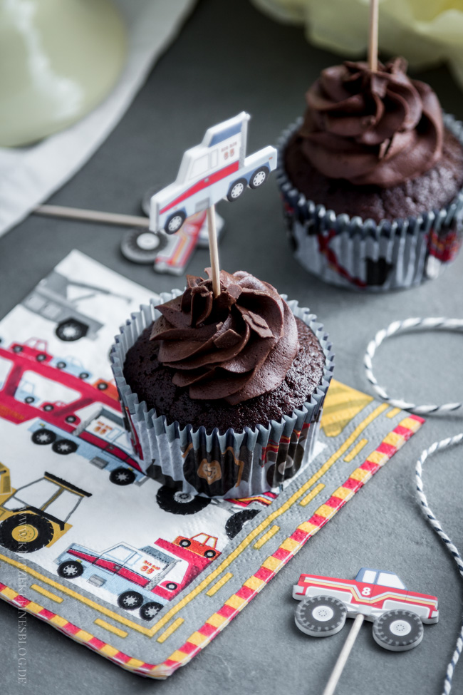 death-by-chocolate-birthday-cupcakes-011