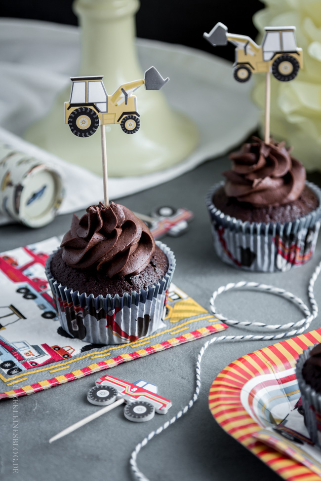 death-by-chocolate-birthday-cupcakes-012-2