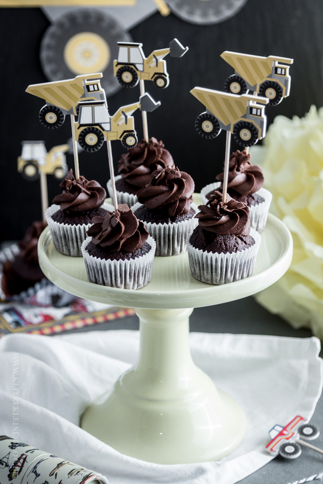 death-by-chocolate-birthday-cupcakes-022