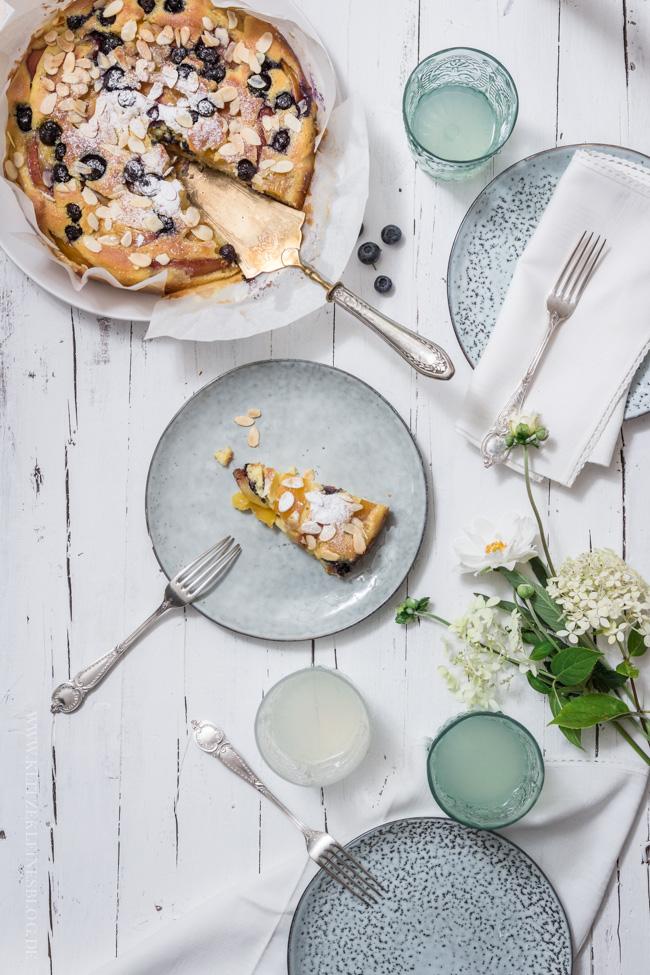 Nektarinen Blaubeer Kuchen mit Mandel-Butterguss-011