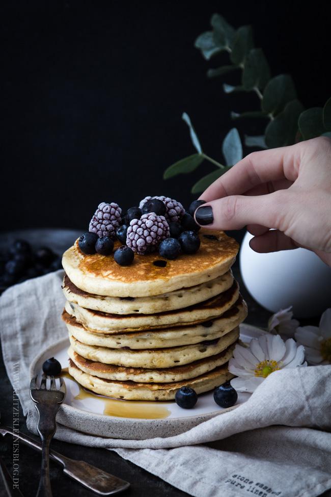 blaubeer-joghurt-pancakes-038