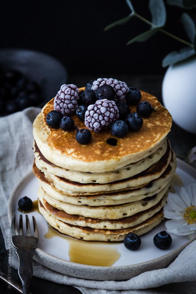 blaubeer-joghurt-pancakes-039